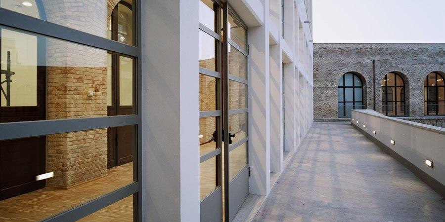 Finestre pail centroideacasa negozio d 39 infissi a roma - Porte e finestre usate ...