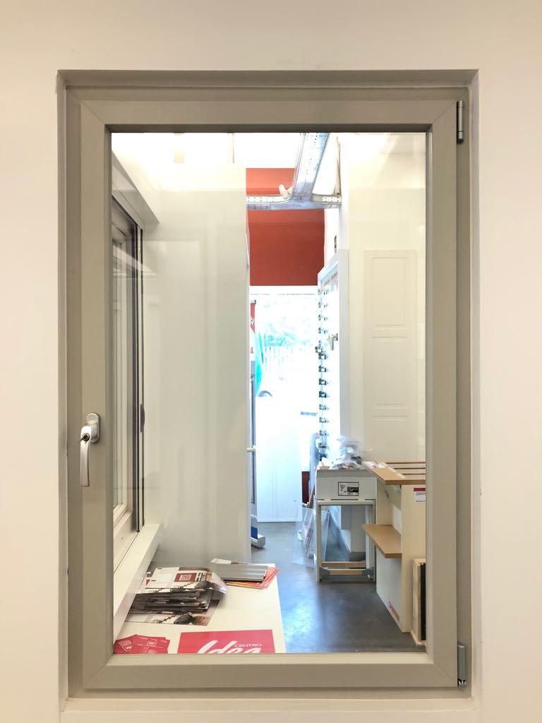Nova line le finestre pvc o alluminio tutto vetro - Finestre in pvc o alluminio ...